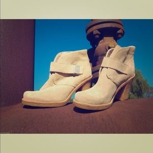 New Womens UGG Australia Brienne Sand Ankle Boots